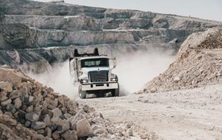 Mack-Granite-Super-Dump