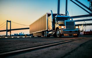 pinnacle-axle-forward-rawhide-edition-with-trailer-001