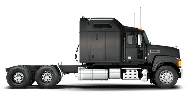 mack_modelseries_pinnaclesleeper_lgpromo1_axleforward