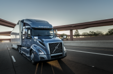 Volvo VNL760 on the road